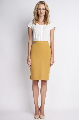 Mustard pencil skirt with subtel pleats